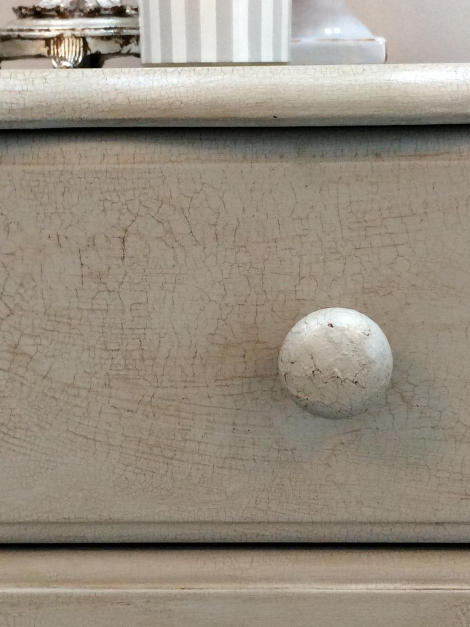 Close up detail of crackle glaze finish