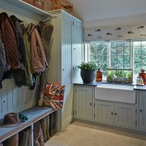 Great family utility/boot room