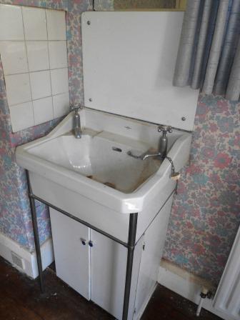 Original bedroom basin (minus the cupboard)