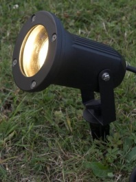 Spiked garden light
