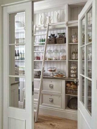 Walk in pantry design by Plan English Kitchens