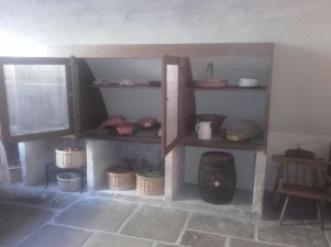 Georgian meat or food safe with mesh doors