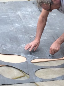 Cutting out an oversized stencil